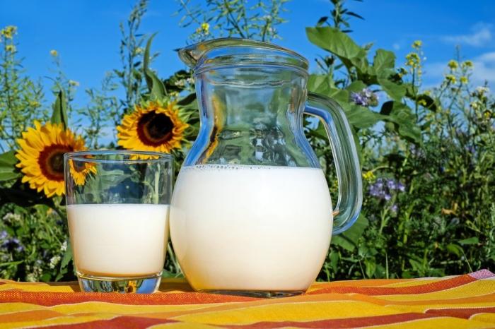 Польза молока: 10 причин купить литр белого
