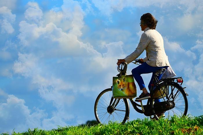 Пока медсестра заботилась о больных, у неё украли велосипед. Но справедливость восторжествовала!
