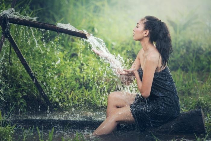 Холодный душ – древнее средство от хандры