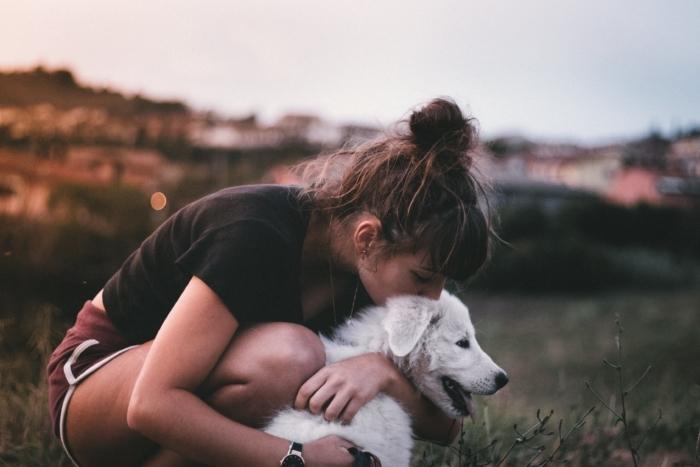 (Видео) Женщина боялась собак, а собака ― людей. Но они попробовали вместе преодолеть свои страхи