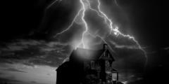 Две истории о том, как молния попала в людей. А окружающие потом узнали, что на это были причины!