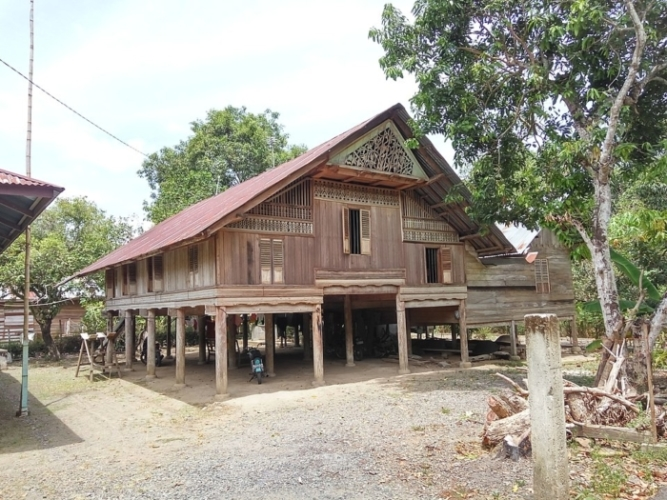 (Видео) Переезжаешь — прихвати дом с собой! Так считают в Индонезии