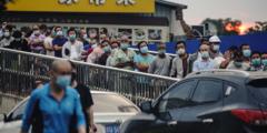 Эпидемию в Пекине «взяли под контроль»? Гонконгский вирусолог так не считает