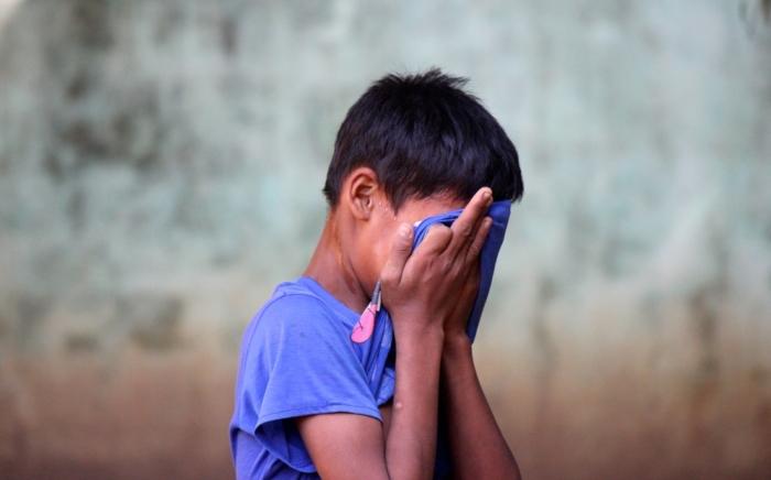 14-летний подросток из-за пандемии остался один в чужой стране. Сначала развлекался, а потом столкнулся с суровыми буднями