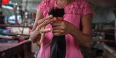 Партию товаров из человеческих волос, предположительно изготовленных в трудовых лагерях Китая, конфисковала таможня США