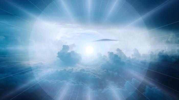 Ореол света в небесах