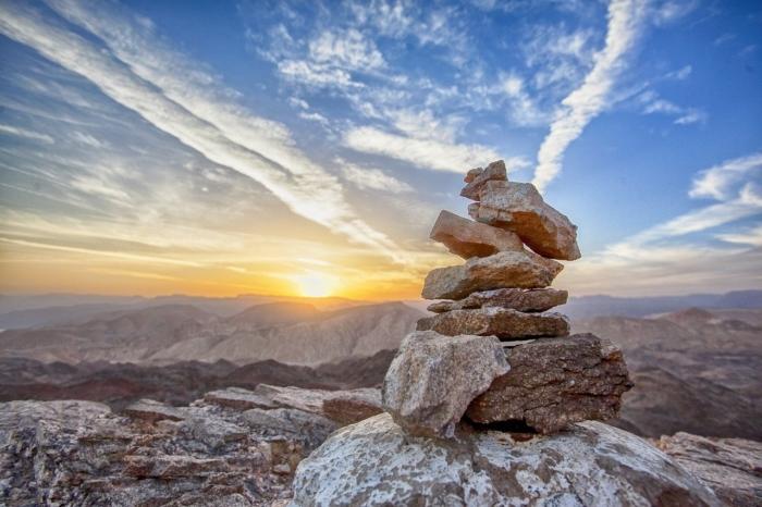 Чтобы выбрать преемника, главный монах предложил последователям подняться в гору. И это было испытание