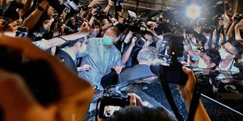 Освобождённый под залог медиамагнат считает, что его арест — «это только начало»