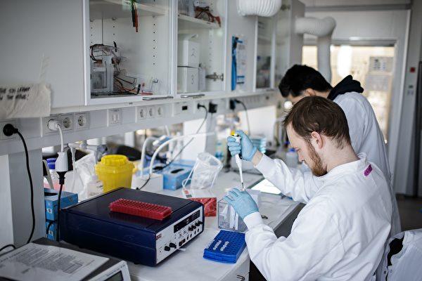 Высокая эффективность китайской вакцины от COVID-19 вызывает сомнения?