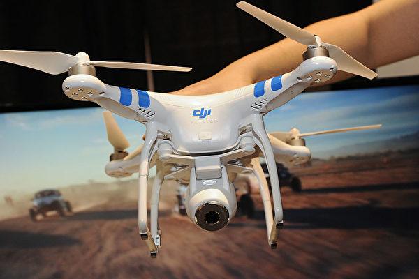 Квадрокоптер DJI Phantom 2 Vision на Международной выставке потребительской электроники в Лас-Вегасе