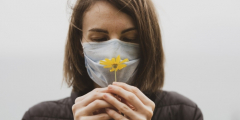 Врач чувствует только неприятные запахи, переболев COVID-19