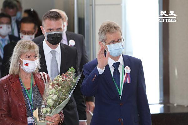 Председатель чешского Сената Милош Выстрчил возглавил делегацию, которая посетила Тайвань 30 августа