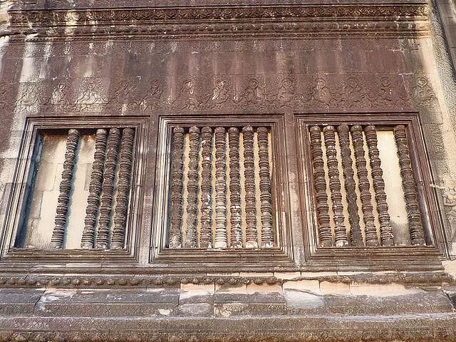 Стены Ангкор-Вата