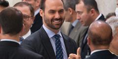 Тюремный срок до 15 лет за распространения символики «серп и молот» могут ввести в Бразилии