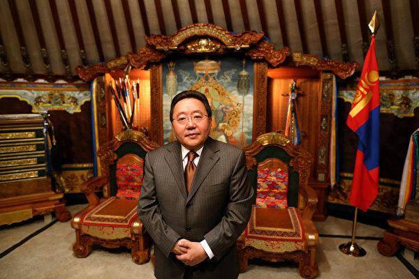 Президент Монголии Цахиагийн Элбэгдорж, Улан-Батор, Монголия, 25 октября 2012 года
