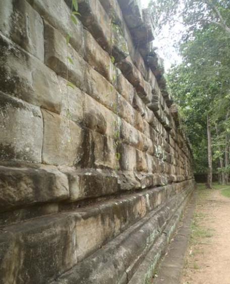 Полигональная кладка, Ангкор