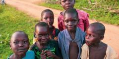 Школьник из Екатеринбурга продаёт самодельное мыло и помогает голодающим детям Африки