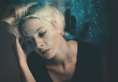 Как перестать чувствовать себя подавленным? Вот 3 простых способа