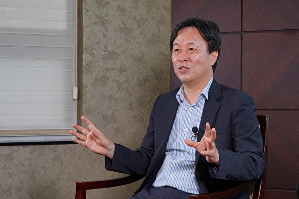 Ли Джэбон, директор Корейской ассоциации мультикультурного образования и профессор из Университета Ульсана в Южной Кореи