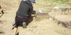 Материнская любовь, пронесённая через 5000 лет! Окаменевшие останки матери и ребёнка тронули археологов