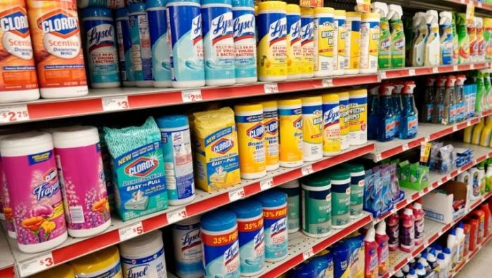 Антибактериальные салфетки и чистящие средства в магазине Family Dollar