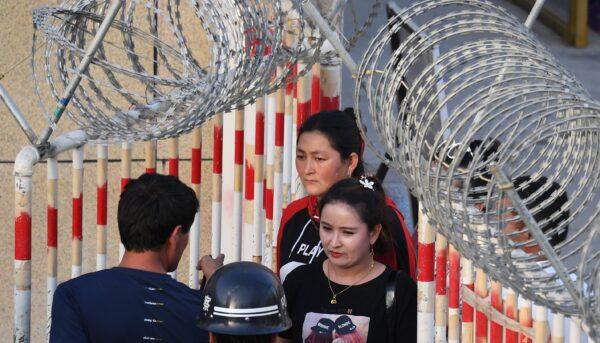 Уйгурских женщин в китайских «лагерях перевоспитания» подвергают сексуальному насилию