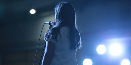 (Видео) Девочка-подросток поступила в 8 университетов. Её называют «музыкальным вундеркиндом»