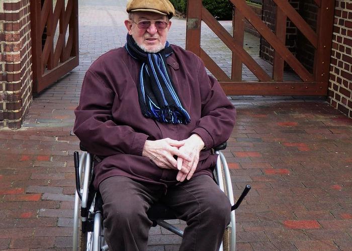 Внук не отправил 95-летнего деда в дом престарелых. А устроил ему лучшее в жизни путешествие!