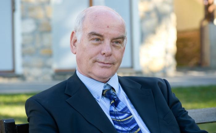 Доктор Якоб Лави