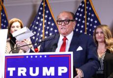 Голоса американцев отправляли для подсчёта за пределы США, ошеломил заявлением адвокат Трампа