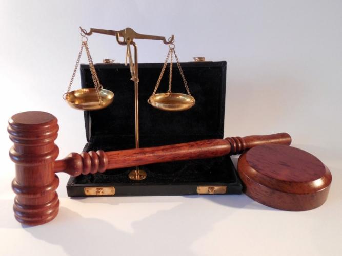 Однажды судье загробного царства пришлось судить родственника. Потому что тот «пил людскую кровь»