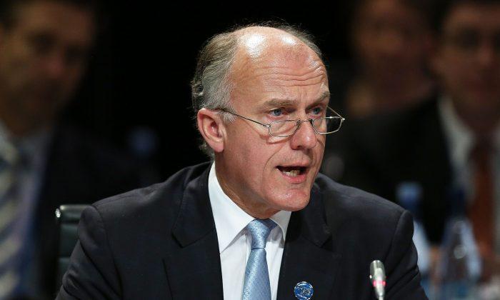 Сенатор Эрик Абец в Мельбурне, Австралия, 10 сентября 2014 года