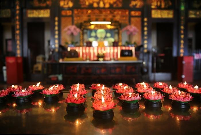 Свечи в китайском храме
