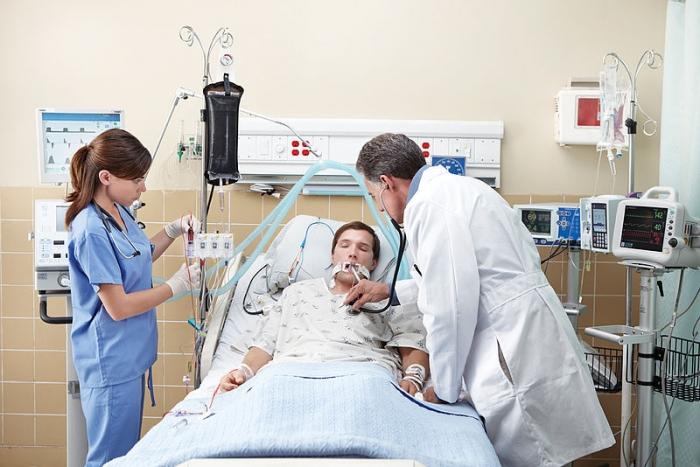 пациент в коме на ИВЛ