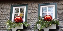 Папа так украсил дом к Рождеству, что привлёк внимание 5000 туристов. Дети в восторге!
