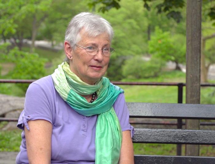 Моника Вайс. Кадр из фильма «Путешествие на Тяньаньмэнь»