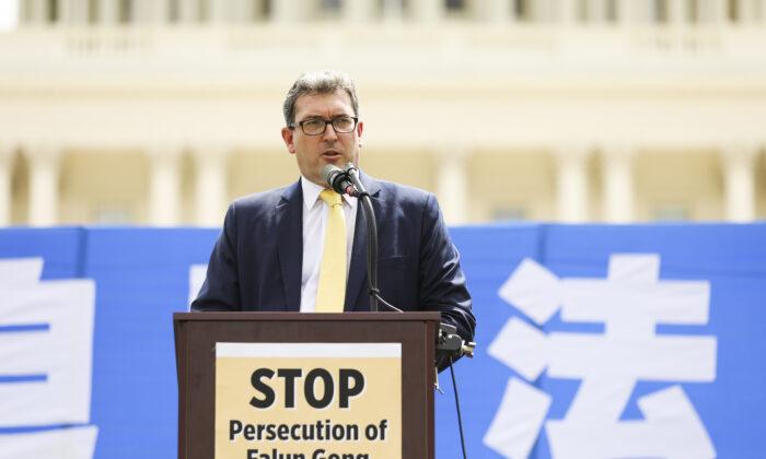 Британский правозащитник объявил голодовку в канун Рождества, чтобы поддержать узников совести в Китае