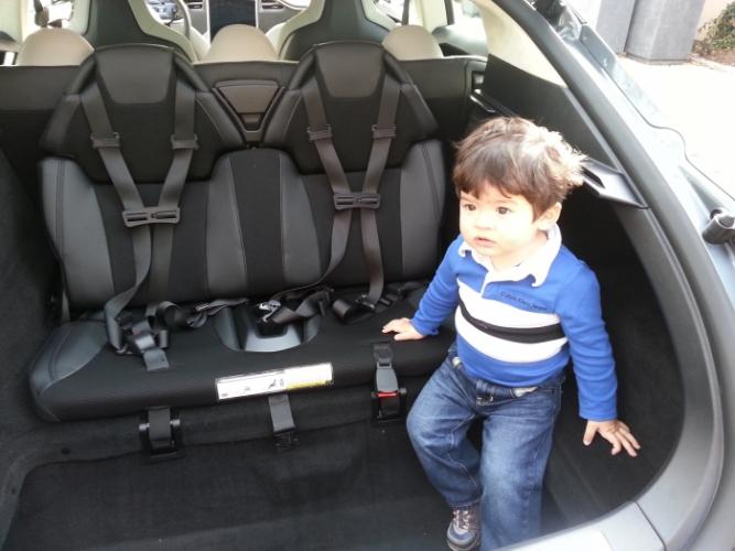 После третьего штрафа за отсутствие детского кресла в машине терпение полицейского лопнуло, и он принял радикальные меры