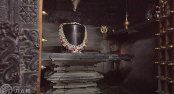 Алтарная часть индийского храма