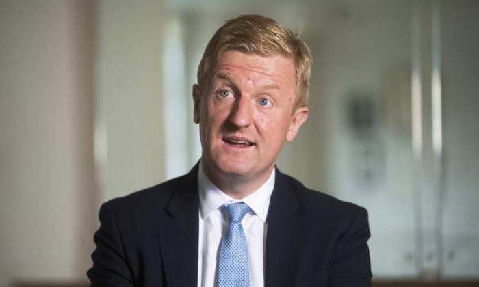 Огромную власть социальных сетей необходимо регулировать, считает британский министр