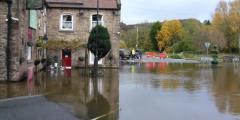 400 лет жители английской деревушки страдали от наводнений. Причина крылась в истории графства