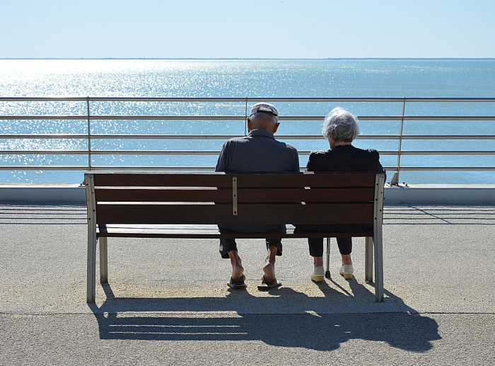 Пенсионер отказался признатьмодель самой красивой женщинойв мире. Потому что она «не так красива», как его жена
