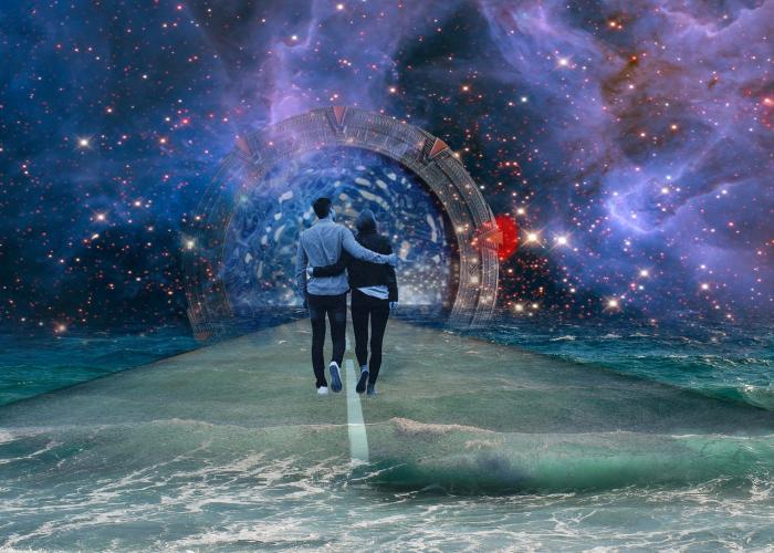 Мужчина и женщина в окружении звёзд