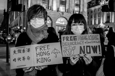 Долгий путь к свободе для народа Гонконга начался. Миллиардер Джимми Лай прямо там прокладывает дорогу.