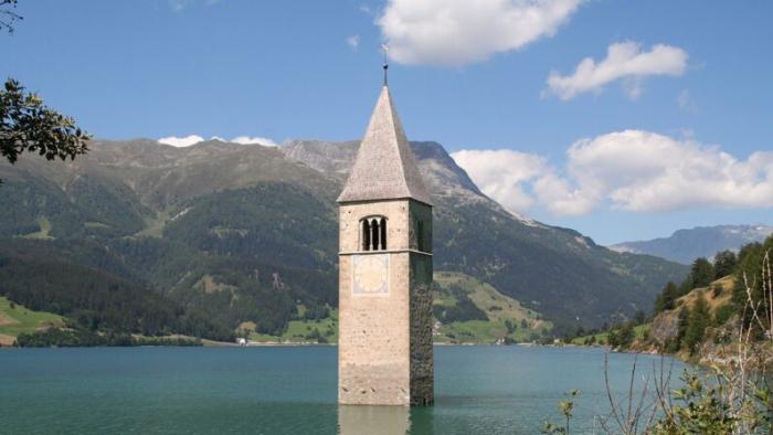 В Италии «всплыла» затопленная 70 лет назад деревня