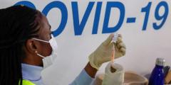 Вакцинация вызывает побочные симптомы у переболевших COVID-19 ─ исследование