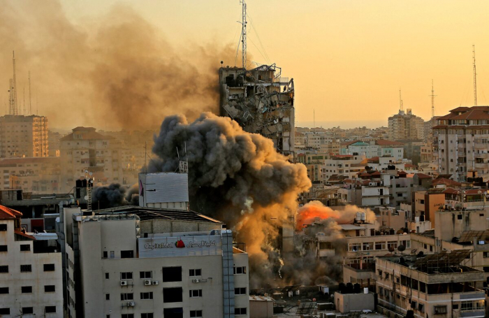 Израиль подтвердил, что снаряд попал в здание башни.