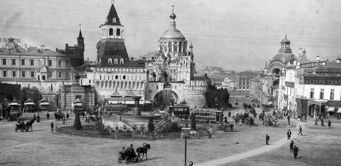 Никольский фонтан на Лубянской площади, начало XX века