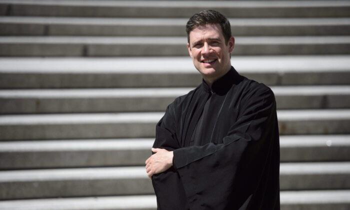 Преподобный доктор Эндрю Беннет, директор Института религиозной свободы Кардуса и бывший посол Канады за свободу вероисповедания, изображен в Оттаве 8 мая 2018 г.