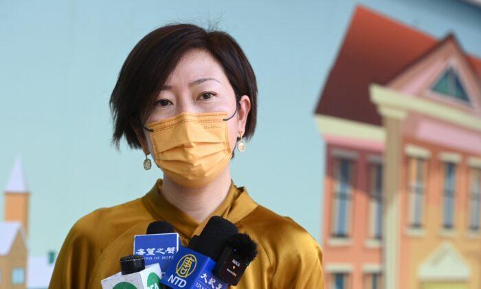 В Гонконге на журналистку Epoch Times совершил нападение мужчина, вооружённый бейсбольной битой